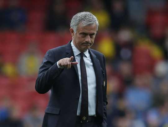 Martial sai lam day Mourinho vao tham canh hinh anh 4