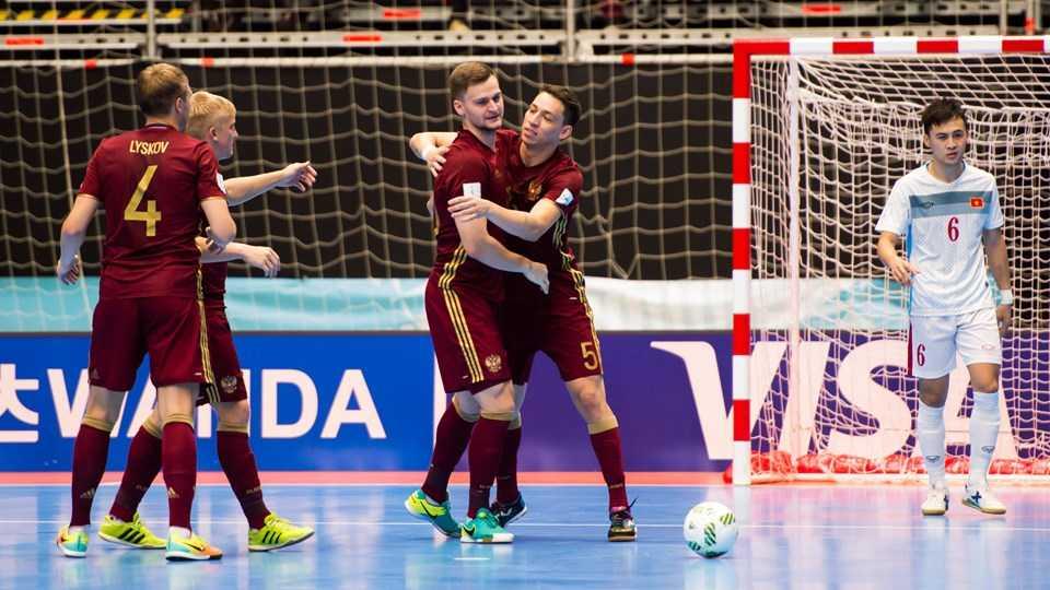 Truc tiep Futsal World Cup: Viet Nam vs Nga hinh anh 5