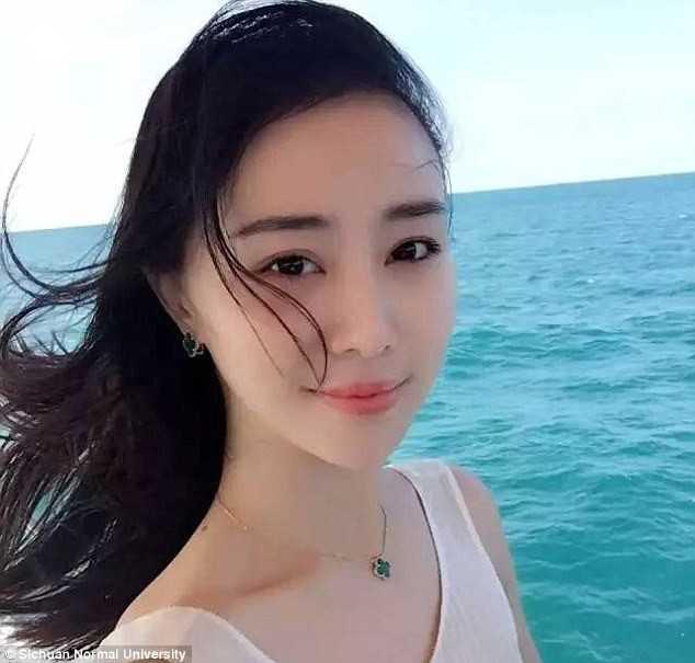 Truong dai hoc Trung Quoc noi tieng voi giao vien xinh nhu hot girl hinh anh 4