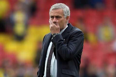 Sir Alex co the cong khai chi trich cau thu, con Mourinho thi khong? hinh anh 3