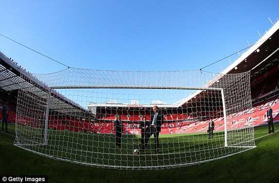 Truc tiep Man Utd vs Stoke City hinh anh 10