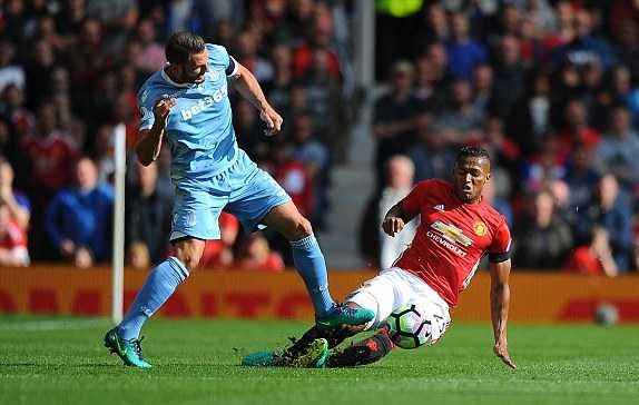 Truc tiep Man Utd vs Stoke City hinh anh 5