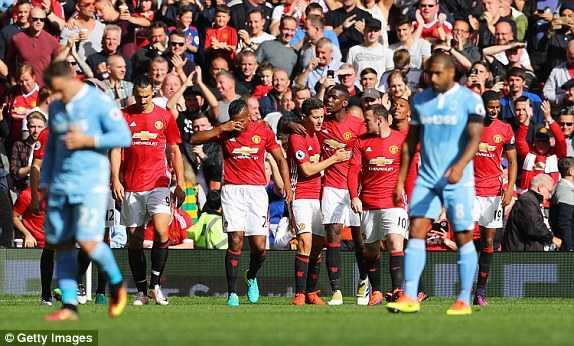 Truc tiep Man Utd vs Stoke City hinh anh 2