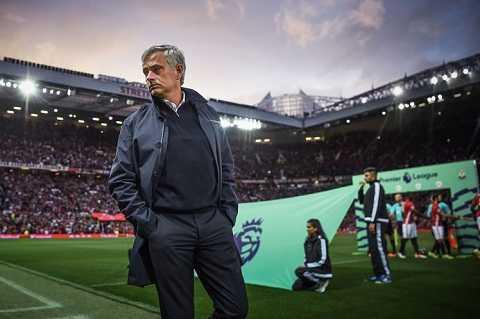 Chong lenh Mourinho, Darmian thanh 'hang thai' o Man Utd hinh anh 3