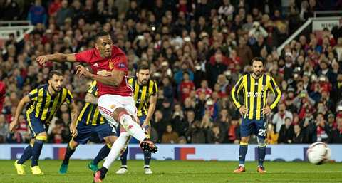 Mourinho benh vuc Pogba, cho hoc tro tu quyet nguoi sut phat den hinh anh 2
