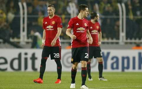Mourinho te hon ca David Moyes, Van Gaal hinh anh 1