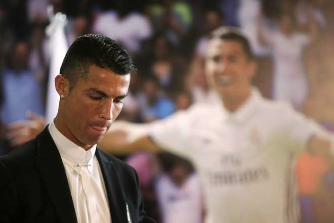 Ronaldo: Huyen thoai song cua Real Madrid hinh anh 2