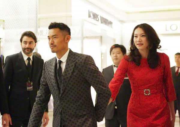 Lin Dan có mát hét vì scandal ngoại tình voi hoa hau Trung Quoc khi vo dang mang thai? hinh anh 2