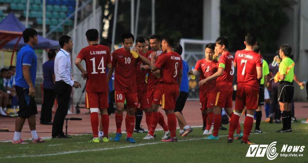 Truc tiep bong da AFF Cup 2016: Viet Nam vs Malaysia hinh anh 3