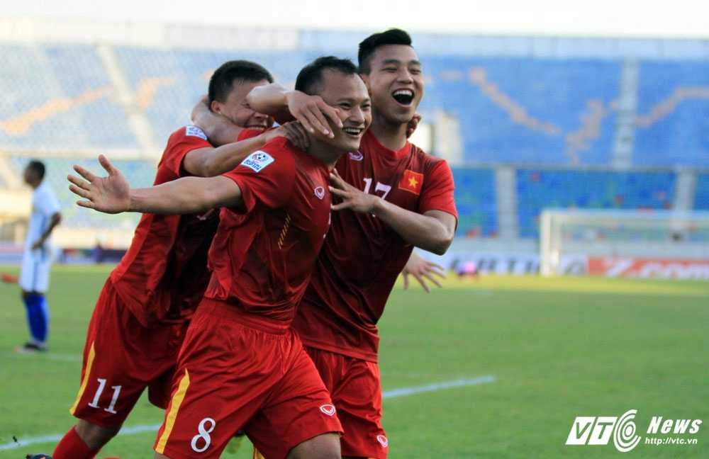 Truc tiep bong da AFF Cup 2016: Viet Nam vs Malaysia hinh anh 1