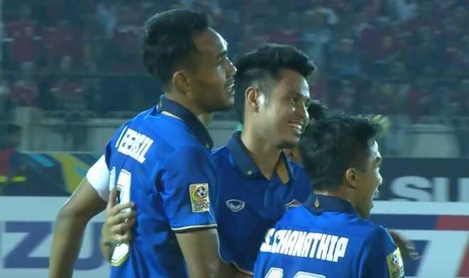 Thai Lan thang de Myanmar, tien gan chung ket AFF Cup 2016 hinh anh 1