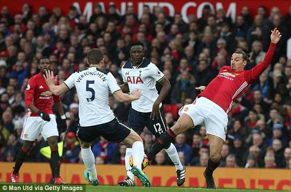 Mkhitaryan lap cong, Man Utd xuat sac ha Tottenham hinh anh 5