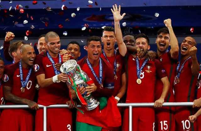Vuot Messi, Griezmann, Ronaldo gianh Qua bong vang the gioi 2016 hinh anh 2