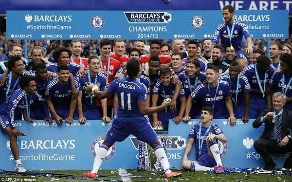 Diego Costa toa sang, Chelsea thang tran thu 11 lien tiep hinh anh 11