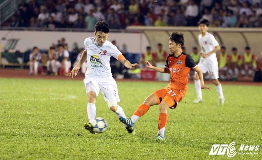 BLV Quang Huy: U21 HAGL da dep mat, Cong Phuong thoat ap luc bua vay hinh anh 1