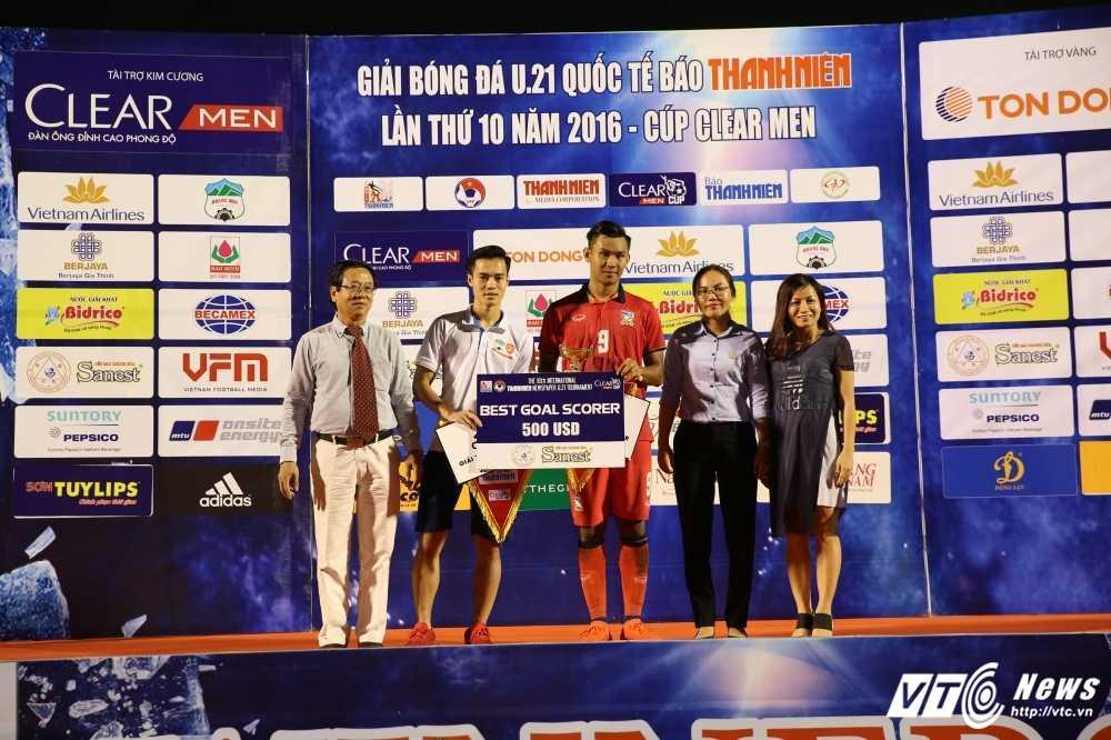 Giai ma doi hinh U21 Thai Lan tung hoc lo Leicester hinh anh 2