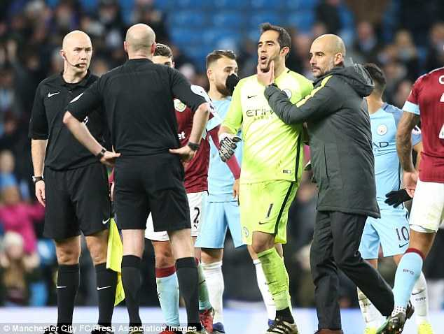 Guardiola chua chat: 'Luc nao cung la loi cua Man City' hinh anh 2