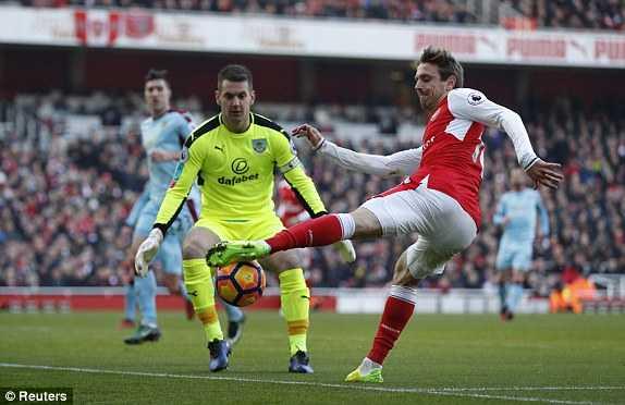 Truc tiep Arsenal vs Burnley hinh anh 3