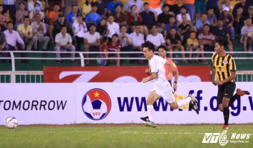 Cong Phuong ghi ban tuyet dep, U23 Viet Nam thang dam U23 Malaysia hinh anh 6