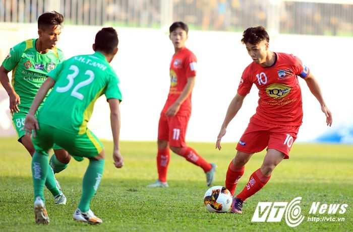 Cong Phuong lap cu dup, HAGL vui dap Can Tho hinh anh 1