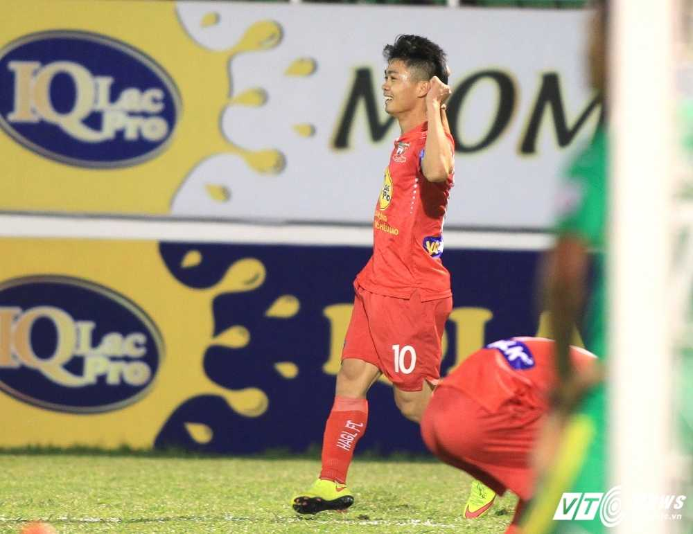 Cong Phuong ghi 2 ban: Hoi sinh niem tin tu nhung ban thang dung di hinh anh 3
