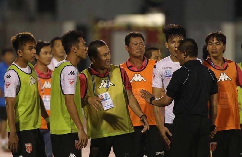 VFF phat nang CLB Long An, treo gio 2 nam Minh Nhut, Quang Thanh hinh anh 2