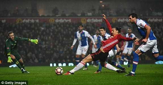 Truc tiep Blackburn vs Man Utd hinh anh 1