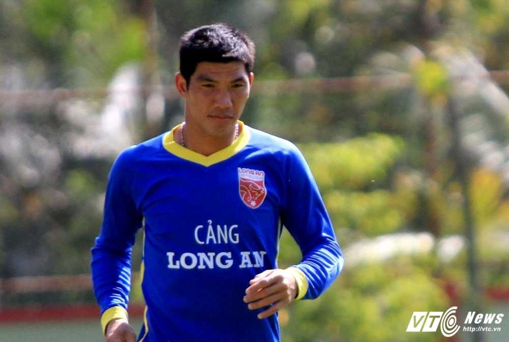 HLV Le Thuy Hai: 'VFF phat the cau thu chet doi a?' hinh anh 1