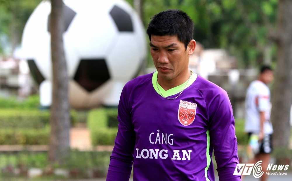 Quyen chu tich Le Cong Vinh: 'Cau thu phai ton trong nghe nghiep dang nuoi song ho' hinh anh 1