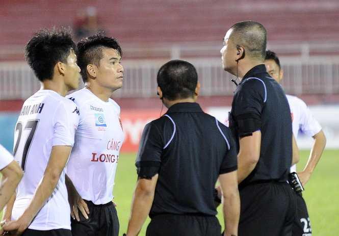 VFF chot xong phuong an cu nguoi phan cong trong tai V-League 2017 hinh anh 2