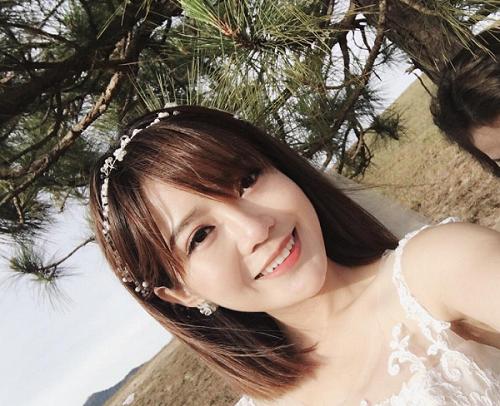 Hot girl Tu Linh khoe anh cuoi ngap tran hanh phuc hinh anh 2