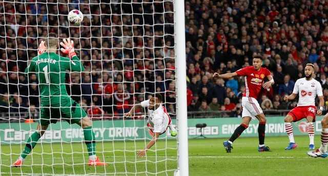 Truc tiep chung ket cup Lien doan: Man Utd vs Southampton hinh anh 1