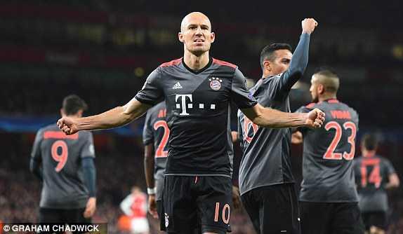 Doi truong nhan the do, Arsenal tham bai nang ne truoc Bayern Munich hinh anh 3