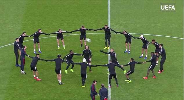 Link xem truc tiep Barca vs PSG vong 1/8 Cup C1 Chau Au hinh anh 8