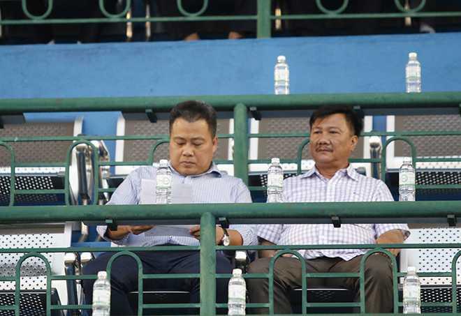 HLV Nguyen Huu Thang ngao ngan bo ve giua tran B.Binh Duong- Quang Nam hinh anh 2