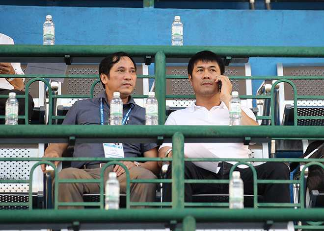 HLV Nguyen Huu Thang ngao ngan bo ve giua tran B.Binh Duong- Quang Nam hinh anh 1