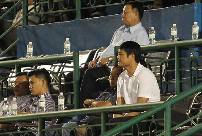 HLV Nguyen Huu Thang ngao ngan bo ve giua tran B.Binh Duong- Quang Nam hinh anh 3