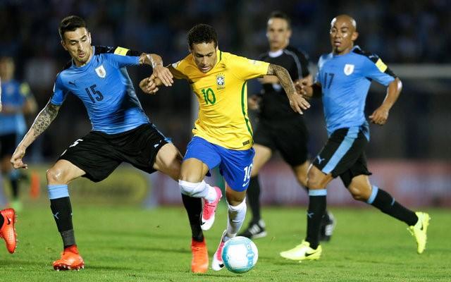 Video ket qua Uruguay vs Brazil: Paulinho lap hattrick, Neymar co sieu pham hinh anh 1