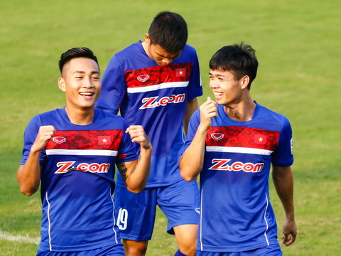 Cong Phuong, Van Toan: Bet bat o CLB de tung suc cho doi tuyen Viet Nam? hinh anh 2