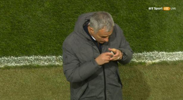 Mourinho hon bua may man, Man United lap tuc ghi ban hinh anh 2