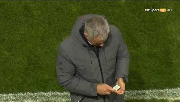 Mourinho hon bua may man, Man United lap tuc ghi ban hinh anh 3