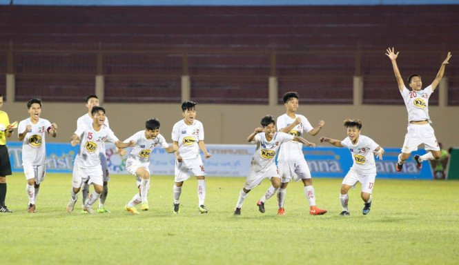 U19 HAGL Arsenal JMG thang U19 Myanmar, gianh hang 3 U19 Quoc te 2017 hinh anh 1
