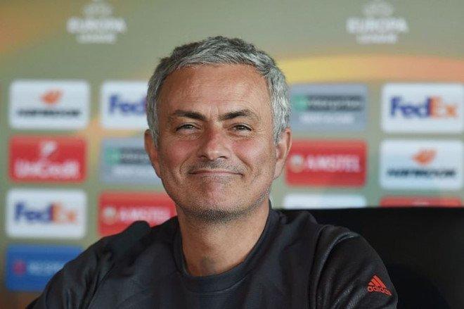 MU kiem tien tu Europa League nhieu hon Champions League hinh anh 1