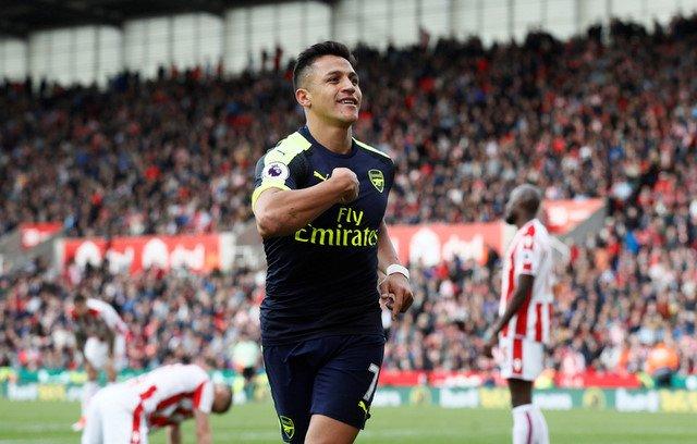 Video ket qua Stoke vs Arsenal: Arsenal quyet bam duoi top 4 hinh anh 1