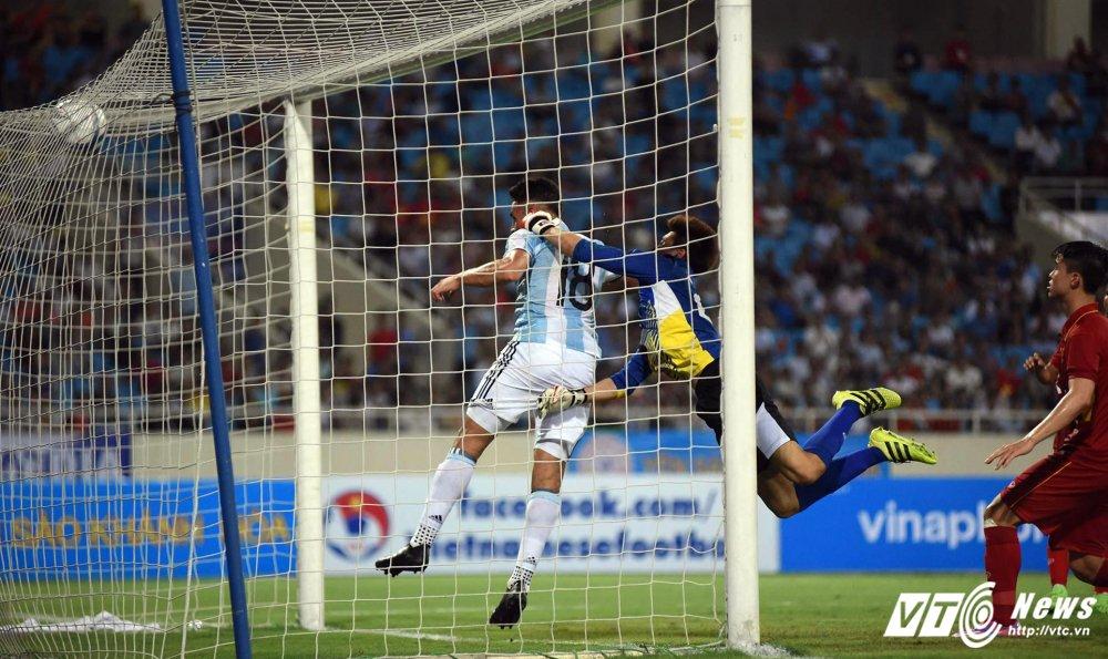 Thua dam U20 Argentina, HLV Huu Thang xin nhan toan bo trach nhiem hinh anh 2