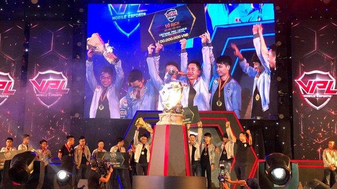 Hoanh trang Chung ket mua Xuan giai dau VPL 2017 hinh anh 3