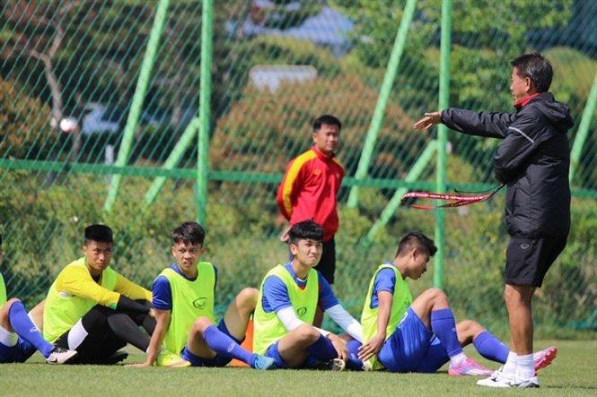 Huu Thang vs Hoang Anh Tuan: 1 thuong hieu, 2 tam nhin hinh anh 2