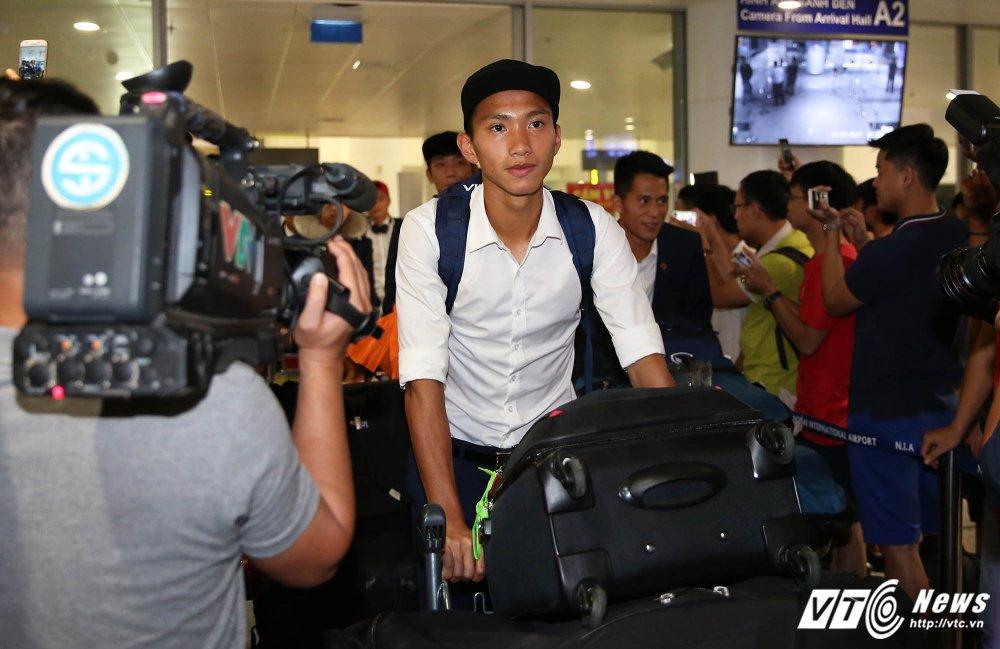 HLV Hoang Anh Tuan: 'Toi da nhan nhuc chiu dung va cho doi' hinh anh 2