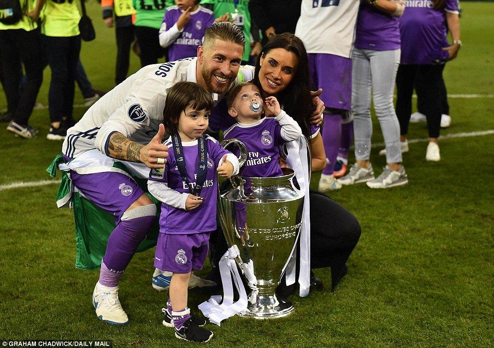 Anh: Real Madrid pha loi nguyen, kieu hanh vo dich Champions League hinh anh 11