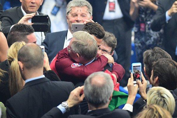 Sir Alex Ferguson mung tui ngay Ronaldo lap ky tich hinh anh 8